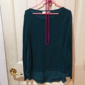 Green top with long sleeve